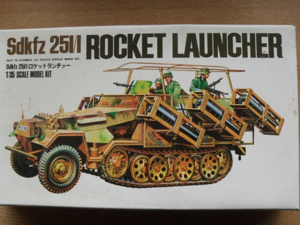 9007 Sd.Kfz 251/1 ROCKET LAUNCHER